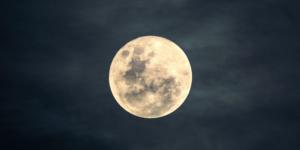 Astrologische Beratug in Augsburg, Horoskopanalyse, Mond im Horoskop, Radix, Astrologie in Augsburg